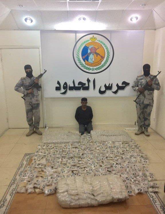 """حرس الحدود بمنطقة تبوك يحبط محاولة تهريب (745000) قرص""""إمفيتامين"""" مخدر"""
