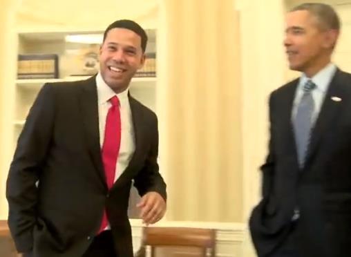 """أول لقاء بين """"أوباما"""" ومقلده في البيت الأبيض"""