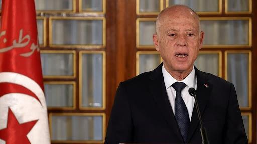 الرئيس التونسي يعفي مساعد وزير الخارجية