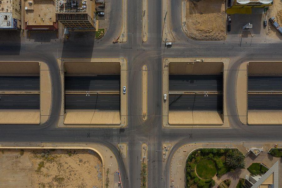 صور جوية لطرق وشوارع الرياض بعد تطبيق قرار منع التجول من الساعة الثالثة