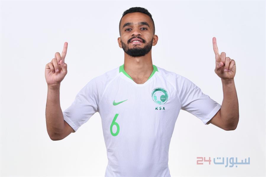 شاهد.. جلسات تصوير لافتة للاعبي المنتخب.. حماس وضحك وتحية