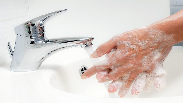 تكرار غسل اليدين يؤدي لنتائج عكسية
