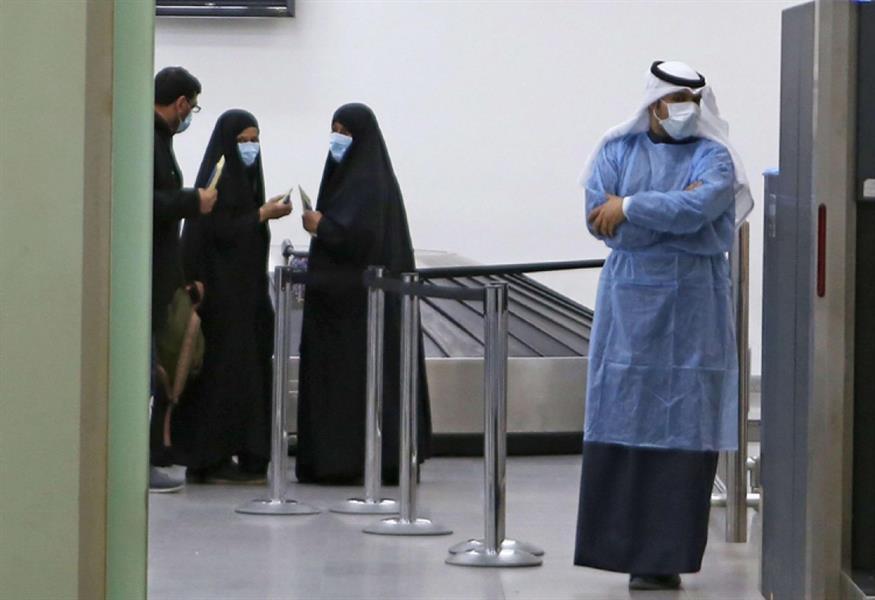 الإمارات لديها أعلى رقم بإصابات 1989 .. إصابات ووفيات كورونا في 4 دول خليجية