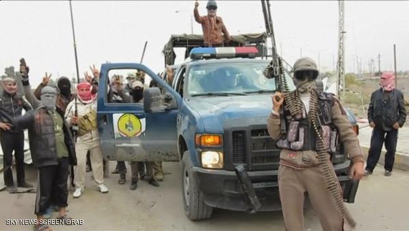 الجيش العراقي ورجال العشائر يقاتلون مسلحي القاعدة في الأنبار