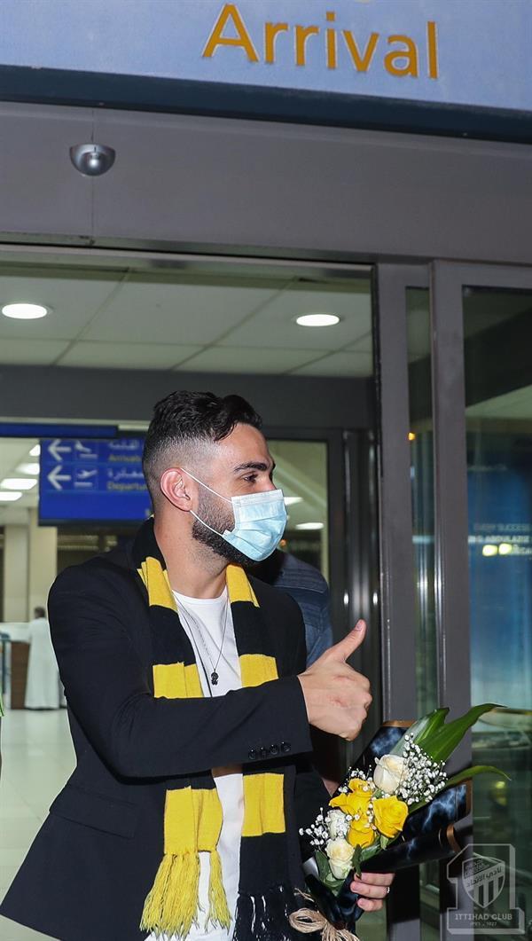 لاعب الاتحاد الجديد البرازيلي برونو هنريكي يصل إلى جدة
