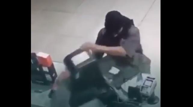 القبض على شخص تورط في سرقة صيدليات ومحلات تجارية وأجهزة صراف بالرياض والشرقية