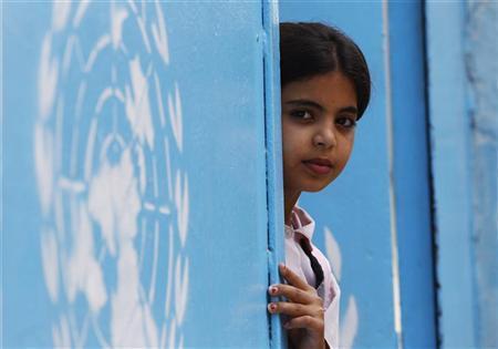 لاجئة فلسطينية بمخيم تابع للامم المتحدة بجنوب لبنان