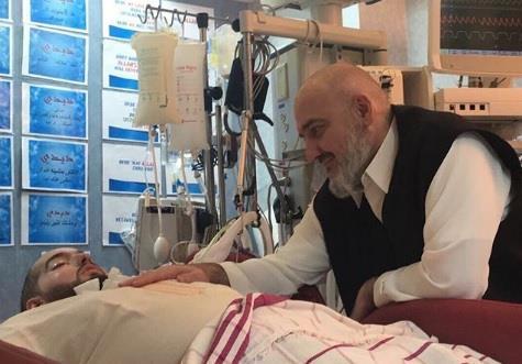 """بعد تحسن حالته.. صورة حديثة للأمير خالد بن طلال ونجله """"الوليد"""""""