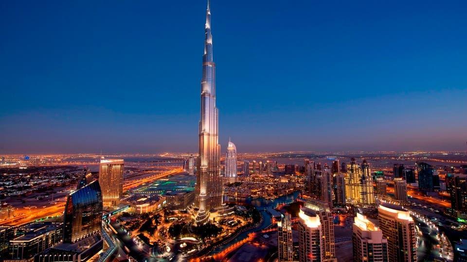 الإمارات: فيديو لمقيمين عرب يسخرون من أبناء جالية آسيوية.. والنيابة تأمر بحبسهم