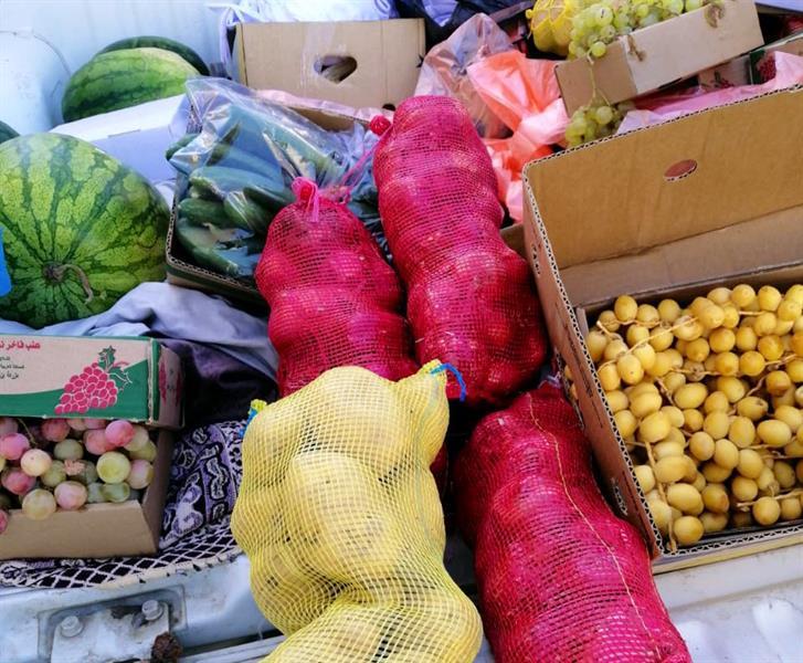 """""""بلديات مكة"""" تتلف مواد غذائية غير صالحة وتغلق عدة منشآت مخالفة"""