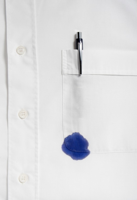 How to remove ink stains from clothing cleanipedia for Get stain out of white shirt