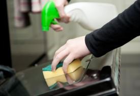 Как содержать духовку в чистоте?