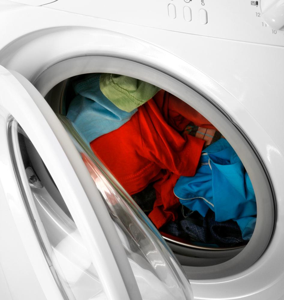 Как удалить жирные пятна с одежды?