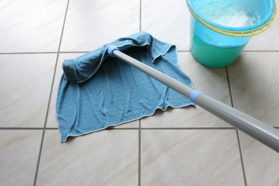 Floor cleaning and mopping strategies │ Products and tools for mopping the floor