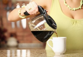 Как удалить пятна от кофе и чая с одежды?