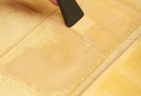 Как почистить диван и удалить пятна с мягкой мебели?