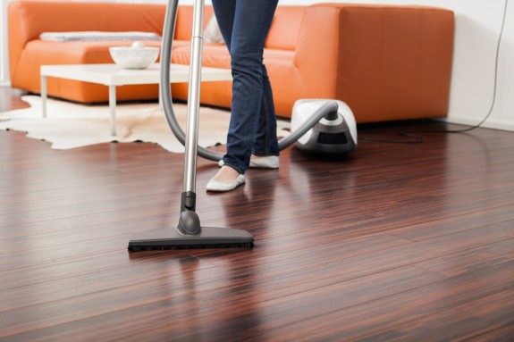 Уборка квартиры и чистка пола │ Уборка квартиры и стирка одежды