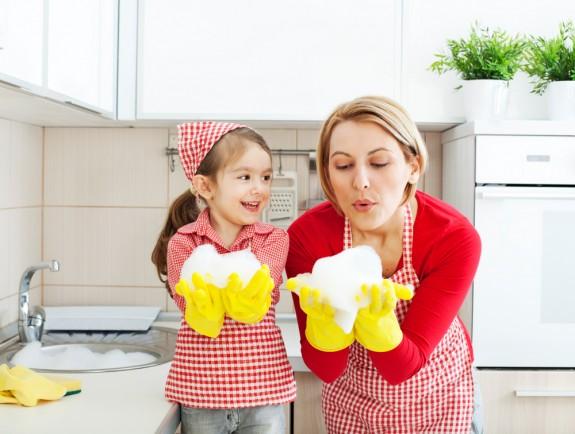 Игра в уборку - мытье посуды