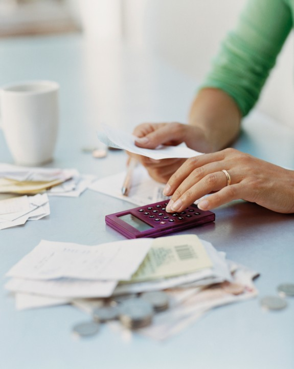 Advice for Keeping Your Monthly Household Budget