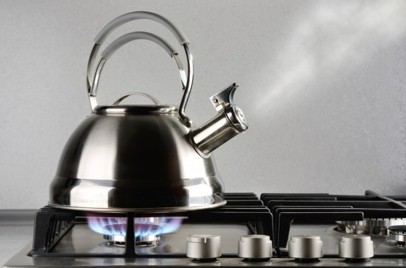How To Remove Limescale From Kettle >> How to Clean a Kettle & Remove Limescale | Cleanipedia