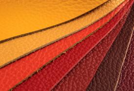 Cara membersihkan kulit pada tas, dompet, dan sofa
