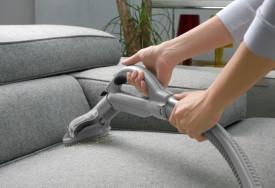 Cara membersihkan kursi sofa dan furnitur berbahan kain