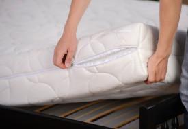 Cara mencuci spring bed dan membersihkan kasur