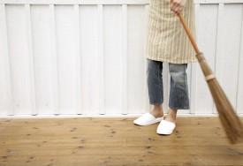 Como limpar assoalho de madeira e piso laminado?