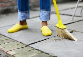 Tipos de vassouras: como escolher a vassoura certa para cada piso