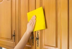Como remover manchas de gordura das paredes, armários e bancadas da cozinha
