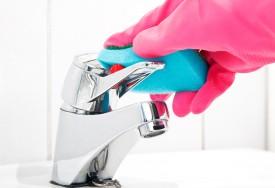Como remover calcário e água dura das superfícies