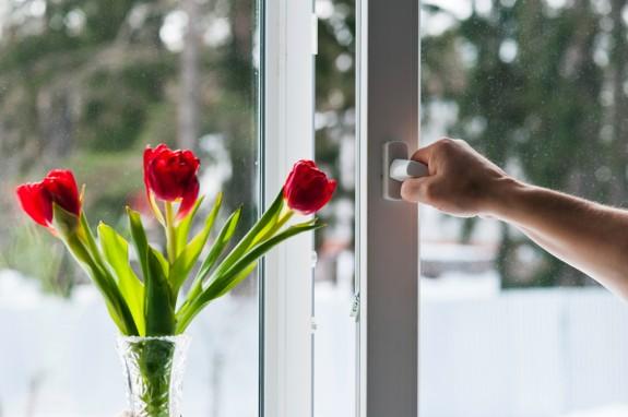 Ventilação do ambiente e eliminação de pó e odores