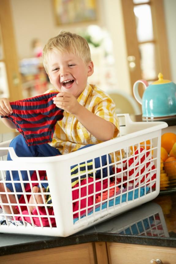 Jogos para limpar a casa − roupa suja