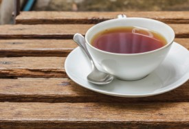 How to Remove Tea Stains From a Cup or Mug