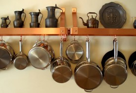 How To Clean Burnt Pots Pans Cleanipedia
