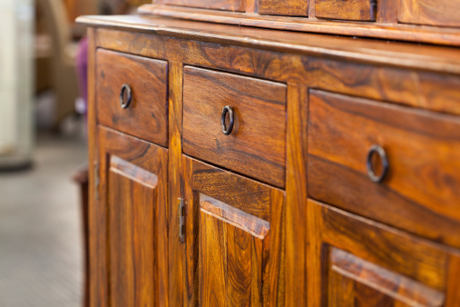 how to polish wooden furniture 2