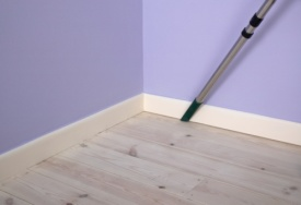 How to Clean Walls & Skirting Boards