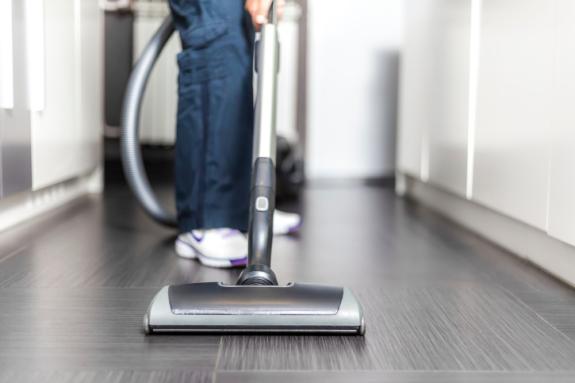 Cara memakai vacuum cleaner