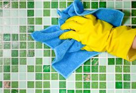 Pembersih keramik kamar mandi dan cara pakainya