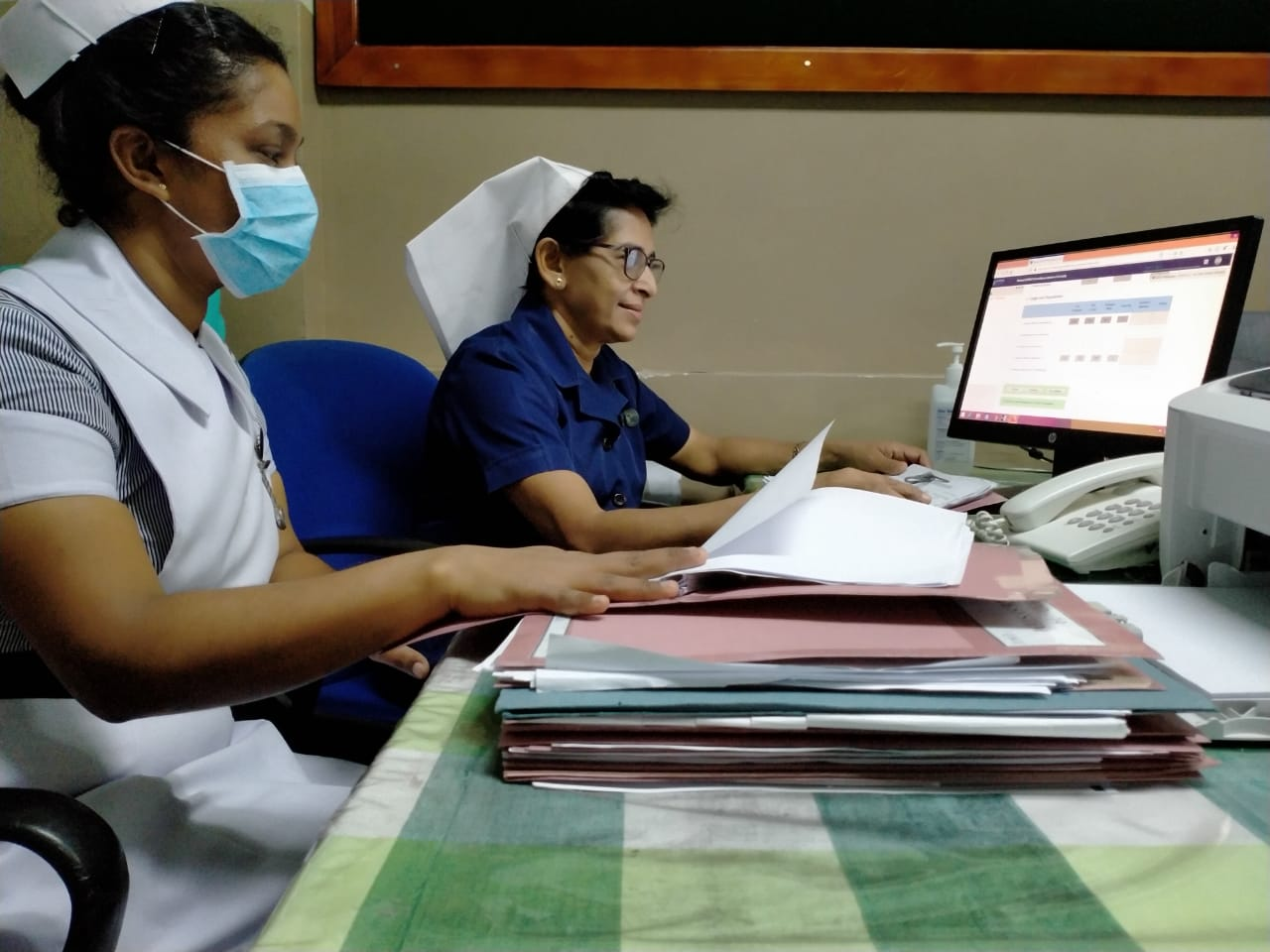 Sri Lanka DHIS2 COVID-19 surveillance data entry at health facility