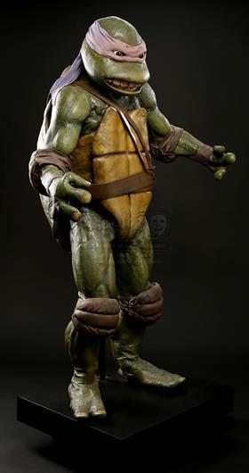 US. Lot # 502. Leonardo Ninja Turtle Costume Display & TEENAGE MUTANT NINJA TURTLES (1990) - Leonardo Ninja Turtle Costume ...