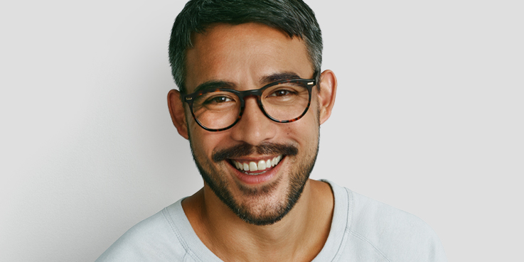 df4f3d486e7b Men's designer glasses | Specsavers UK
