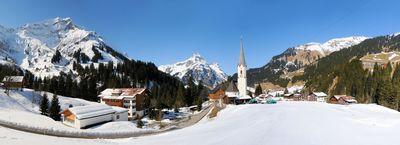 Schröcken: schröcken-kerk-wintersport-interlodge