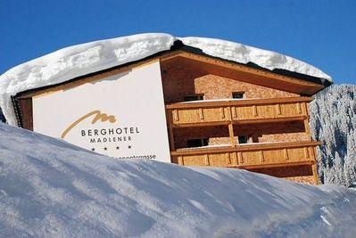 Berghotel Madlener: berghotel-madlener-damuels-mellau-wintersport-interlodge