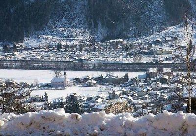 Aschau im Zillertal: ASCHAU IM ZILLERTAL WINTERSPORT OOSTENRIJK SKI SNOWBOARD RAQUETTES SCHNEESCHUHLAUFEN LANGLAUFEN WANDELEN INTERLODGE