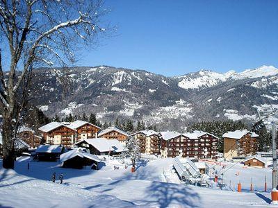 Morillon: MORILLON LE GRAND MASSIF DORP WINTERSPORT FRANKRIJK SKI SNOWBOARD RAQUETTES SCHNEESCHUHLAUFEN LANGLAUFEN WANDELEN INTERLODGE