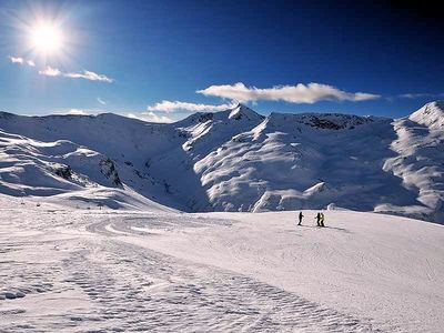 Livigno: livigno-skiers-piste-wintersport-italie-interlodge