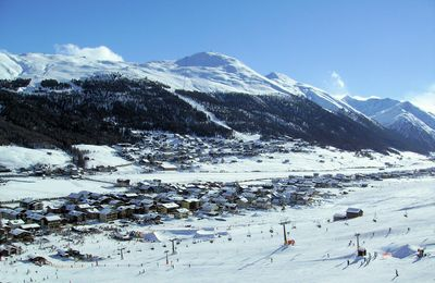 Livigno: dorp-livigno-cabine-wintersport-italie-interlodge