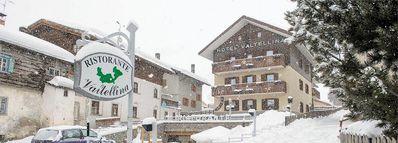Hotel Valtellina: BUITENKANT HOTEL VALTELLINA LIVIGNO WINTERSPORT ITALIE SKI SNOWBOARD RAQUETTES SCHNEESCHUHLAUFEN LANGLAUFEN WANDELEN INTERLODGE