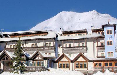 Sporting Hotel: BUITENKANT SPORTING HOTEL PASSO TONALE WINTERSPORT ITALIE SKI SNOWBOARD RAQUETTES SCHNEESCHUHLAUFEN LANGLAUFEN WANDELEN INTERLODGE
